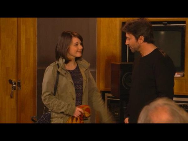 Angèle et Christian ont fini leur session d'enregistrement : Rudy l'amène au kiné