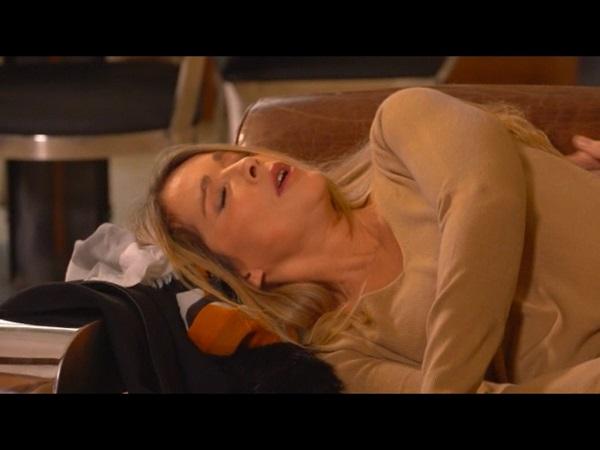 Hélène droguée par Johanna...