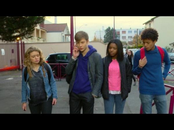 Nicky et la bande décident de ne pas aller au lycée et d'aller se cacher