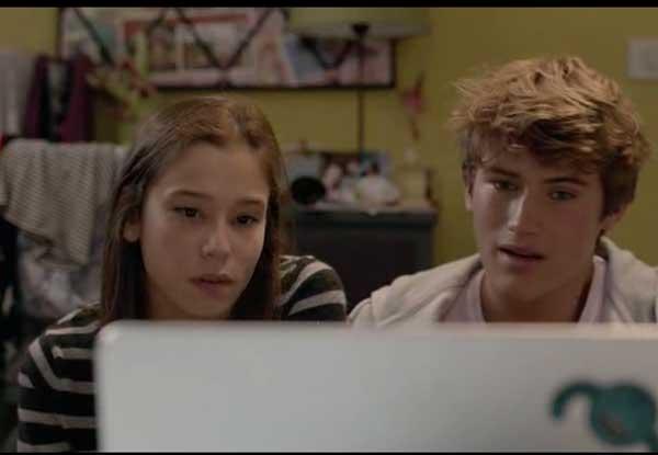 Des conversations skype entre Salomé, Lucas et Dimitri