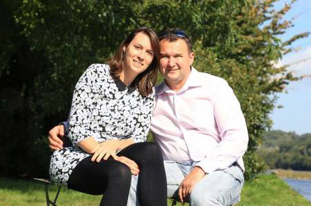 Yoann et Emmanuelle dans les 10 ans de l'amour est dans le pré / Photo M6