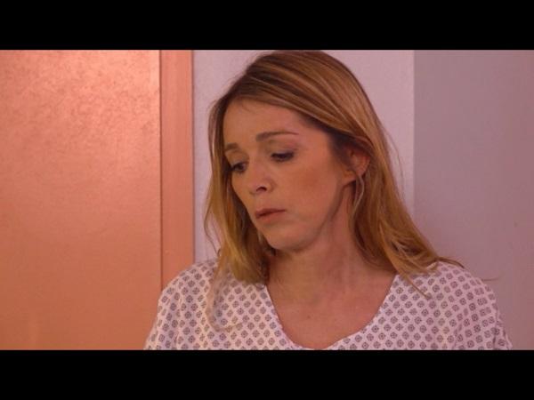 Hélène reste en observation après son malaise simulé