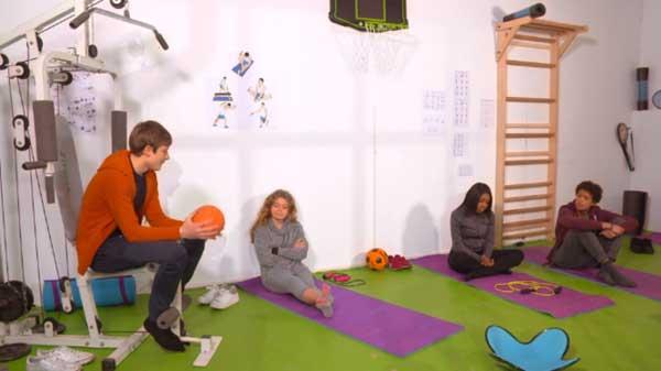 La nouvelle salle de jeux pour Gwen, Erwan, Lea et Nicky dans la maison