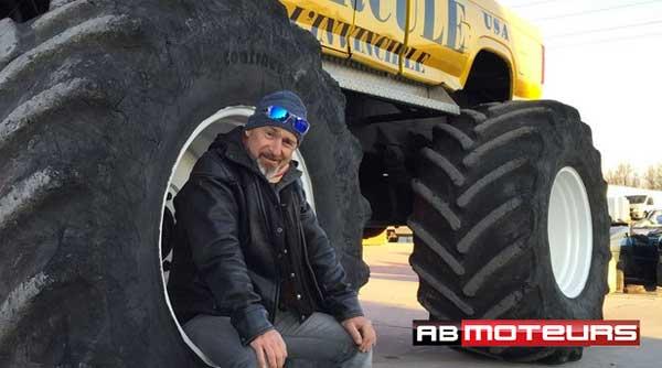 Vincent Lagaf animateur de V6 le Top gear de Ab Moteurs / Photo AB Moteurs