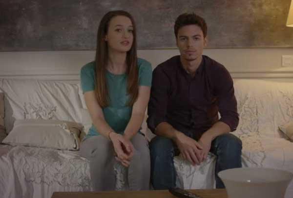 Alex alias Kevin Dias le beau gosse avec sa petite amie Juliette jouée par Laure Millet