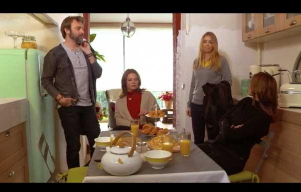 Le petit déjeuner de la bande : Hélène et Nicolas ne se quittent plus !