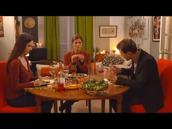 Dîner spécial séparation entre Laly, Ophélie et Elvis