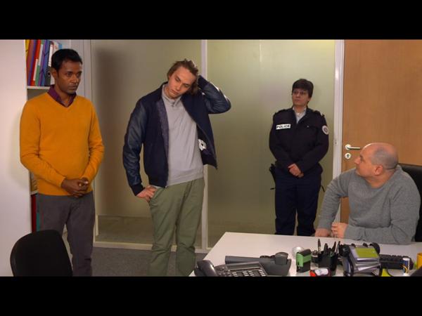 Rudy au poste de police avec Sylvain par rapport à l'enquête
