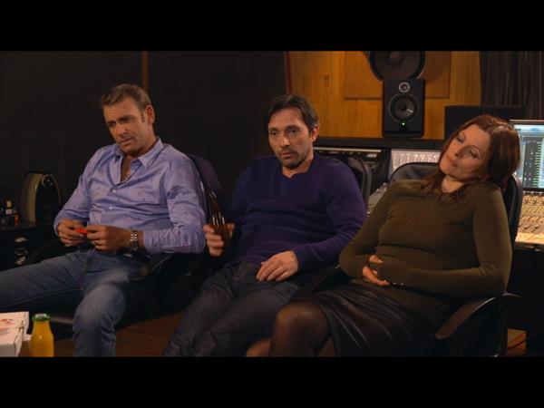 Jimmy, Laly et Christian au studio pour écouter les chansons