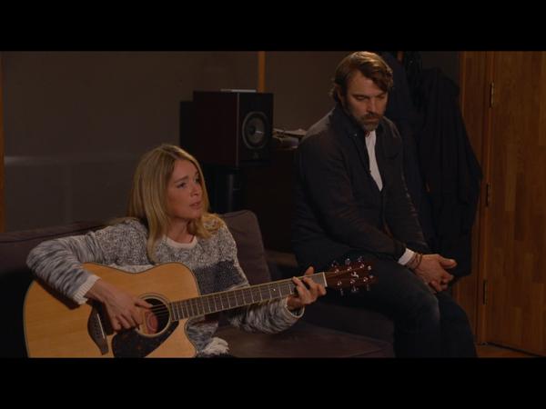Hélène chante et compose avec Nicolas