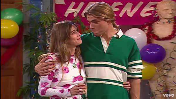 Hélène et Nicolas amoureux à l'époque du garage d'helene et les garçons