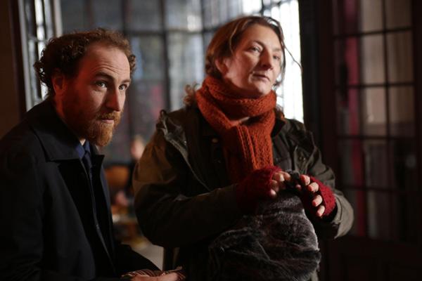 Corinne Masiero avec Marius Colucci / Capitaine Marleau et Sagamore Stévenin sur France 3 / Photo Gilles Scarella-FTV
