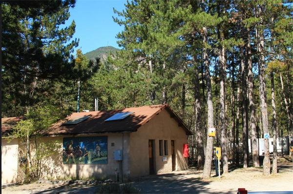 Avis et commentaires sur le camping de Patricia et Giani sur TF1 / Photo Facebook Camping-LES-3-LACS