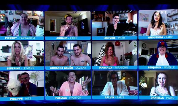Le mur des téléspectateurs de l'hebdo show qui participent à l'émission