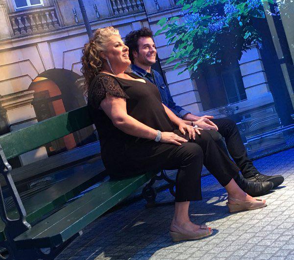 Amir et Marianne James sur TF1 avec Arthur dans l'hebdo show le nouveau  5 à 7