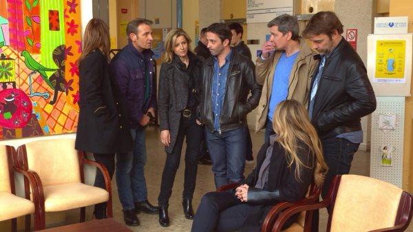 La bande à l'hôpital inquiète pour Cathy et sa tentative de suicide.
