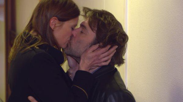 Laly et Nicolas le bisou... virtuel pour le moment !!