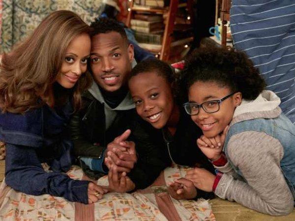 Photo promo de la série Marlon de NBC