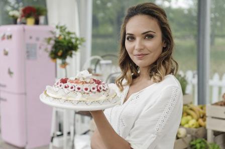 alizée le meilleur pâtissier (m6) : maman gâteau et recette tarte