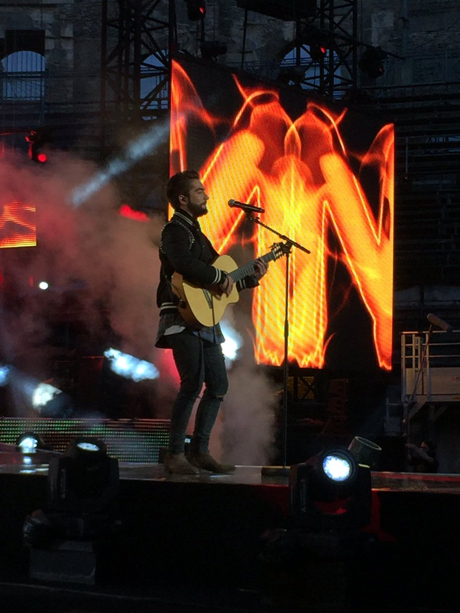 Kendji gagnant la chanson de l'année 2016 de TF1