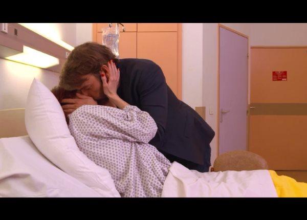 Marie et Nicolas le bisou à l'hôpital : nouvelle histoire ou pas ?