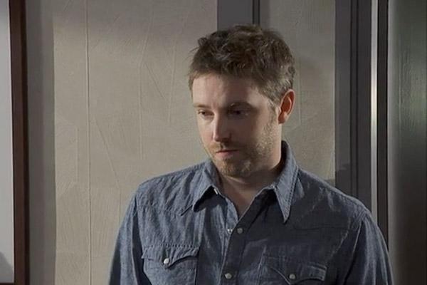 Nathan dépité face à la décision de Guillaume d'épouser Jinan