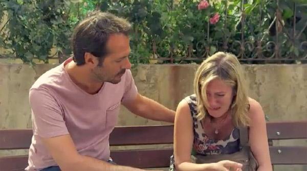Franck veille sur Laetitia dans Plus belle la vie , toujours là pour la réconforter