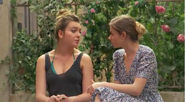 Confidences entre filles Oceane et Lilou