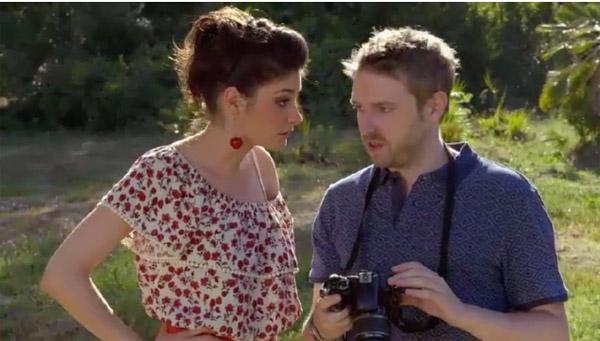 Sabrina et Nathan se retrouvent pour une séance photo