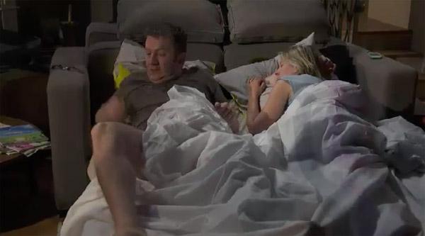 Les Belesta dans le canapé et Jérôme le râleur !!