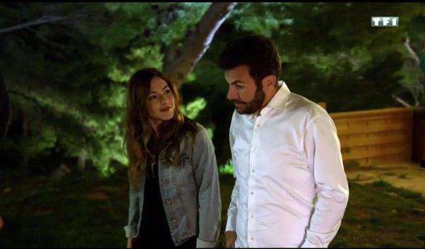 Complicité entre Adèle et Tom dans Camping Paradis de TF1