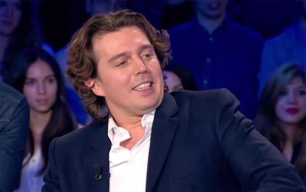Alex Vizorek le nouveau chroniqueur du samedi C l'hebdo #clhebdo