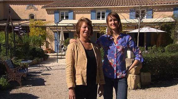 Avis et commentaires sur la bastide de Françoise et Iris de Bienvenue à l'hôtel sur TF1
