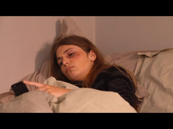 Hugo a été violent avec Aurélie mais elle ne dit rien à Béné