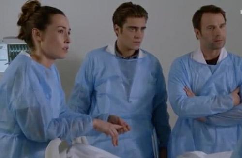 Kevin devient médecin dans le final de Nina saison 2 épisode 10