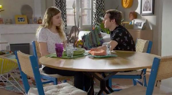 Jonas et Oceane toujours très complices dans Plus belle la vie du 31 août