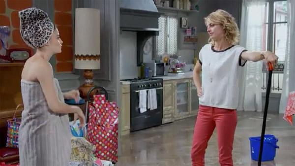 Crêpage de chignons entre Coralie et Sabrina