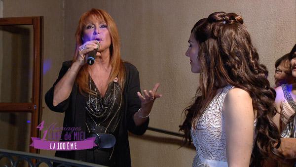 Julie Piétri chante pour Johanna sur TF1