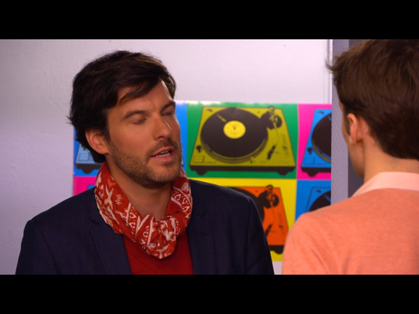 Julien est attiré par Régis l'ex de Cathy