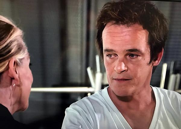 Confidences choc de Peter à Johanna sur son amour pour Valentina
