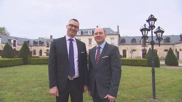 Avis et commentaires sur l'hôtel de Pascal et Nicolas de Bienvenue à l'hôtel  / Photo TF1