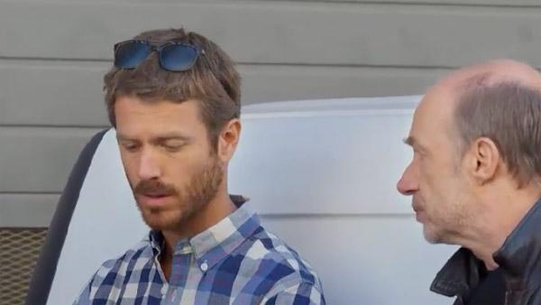 Castelli essaie-t-il de protéger Djawad grâce à Marc ou veut-il l'arrêter ?