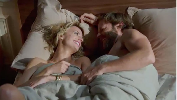 Tony couche avec Coralie... il cumule toutes les belles filles du mistral