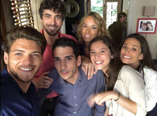Rayane Bensetti et Lucie Lucas pour le tournage de Clem saison 7 / Photo twitter