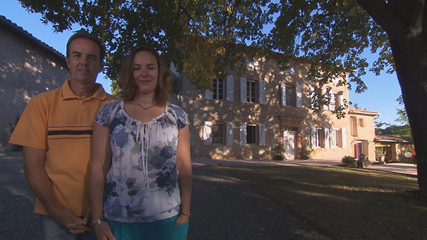 Avis et adresse de Stéphanie et Thierry dans Bienvenue chez nous / Crédit photo TF1