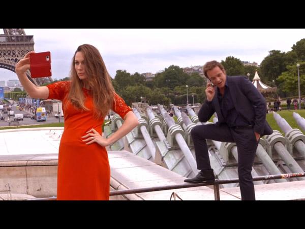 Entre Peter et Valentina tout va bien : elle découvre Paris en attendant Helene