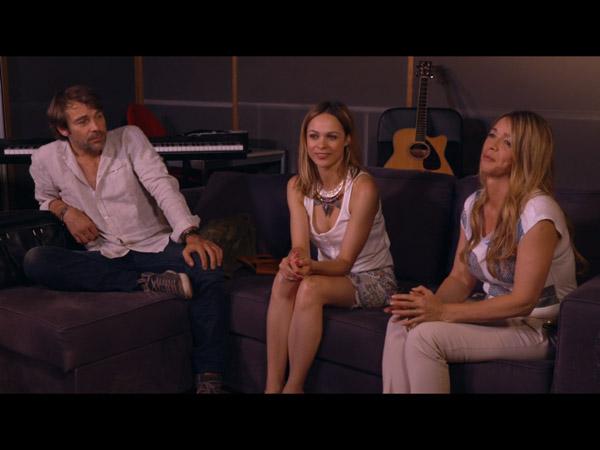 La bande réunit pour l'écoute de l'album d'Helene