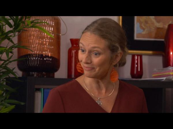 Annette enceinte... mais Roger ne dit toujours rien à Hélène !
