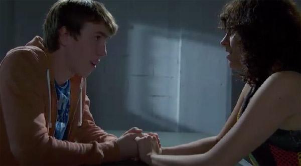 Kevin et Jenny se retrouvent en prison toujours aussi amoureux