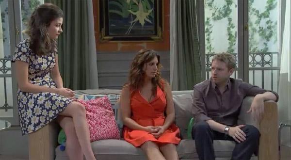 Mélanie quitte la colocation avant le retour de Barbara